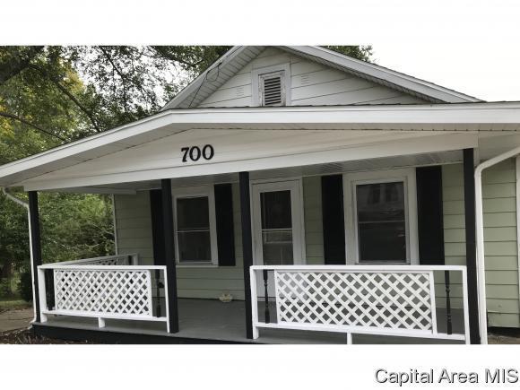 700 E Lincoln, Riverton, IL 62561 (MLS #186614) :: Killebrew & Co Real Estate Team