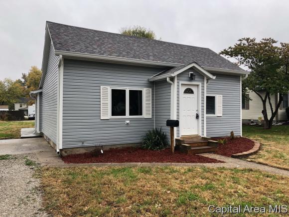 106 E Adams St, Auburn, IL 62615 (MLS #186951) :: Killebrew - Real Estate Group