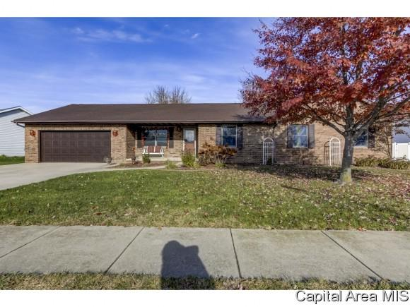 121 Parkway Dr, Chatham, IL 62629 (MLS #187148) :: Killebrew & Co Real Estate Team