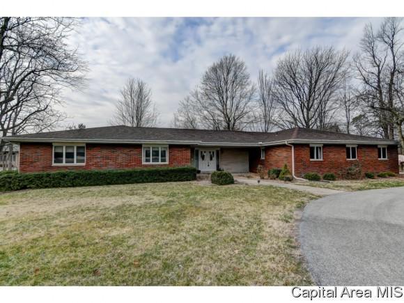 820 E Lake Drive, Springfield, IL 62712 (MLS #180960) :: Killebrew & Co Real Estate Team