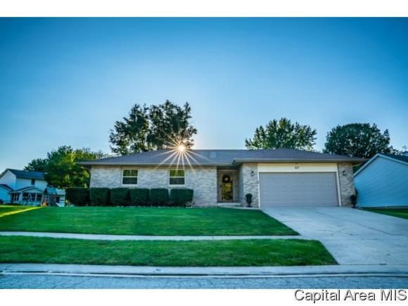 67 Taft Dr, Rochester, IL 62563 (MLS #185957) :: Killebrew & Co Real Estate Team