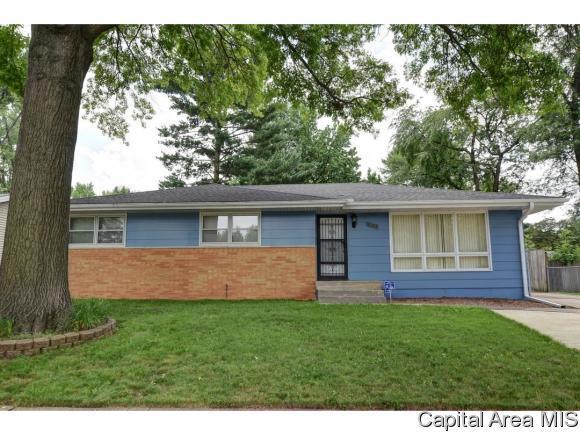 2122 W Lawrence Ave, Springfield, IL 62704 (MLS #181322) :: Killebrew & Co Real Estate Team