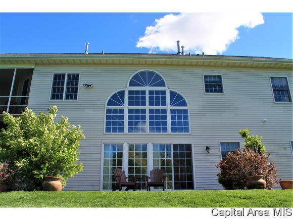 101 Manor Hill Drive, Chatham, IL 62629 (MLS #171190) :: Killebrew & Co Real Estate Team