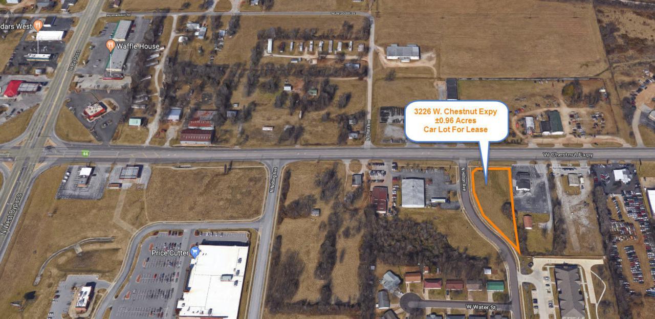 3226 Chestnut Expressway - Photo 1