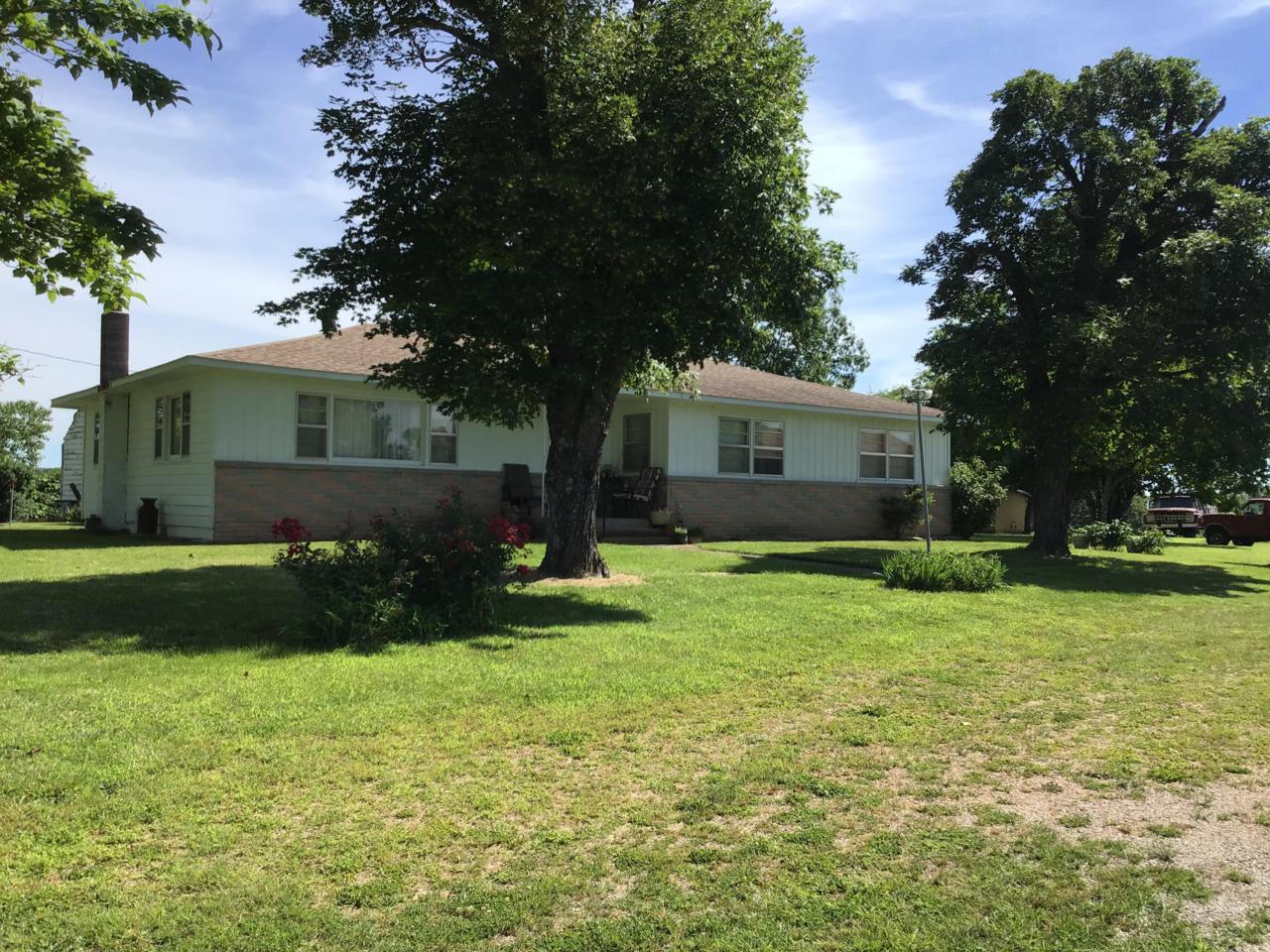 26318 Farm Road 1197 - Photo 1