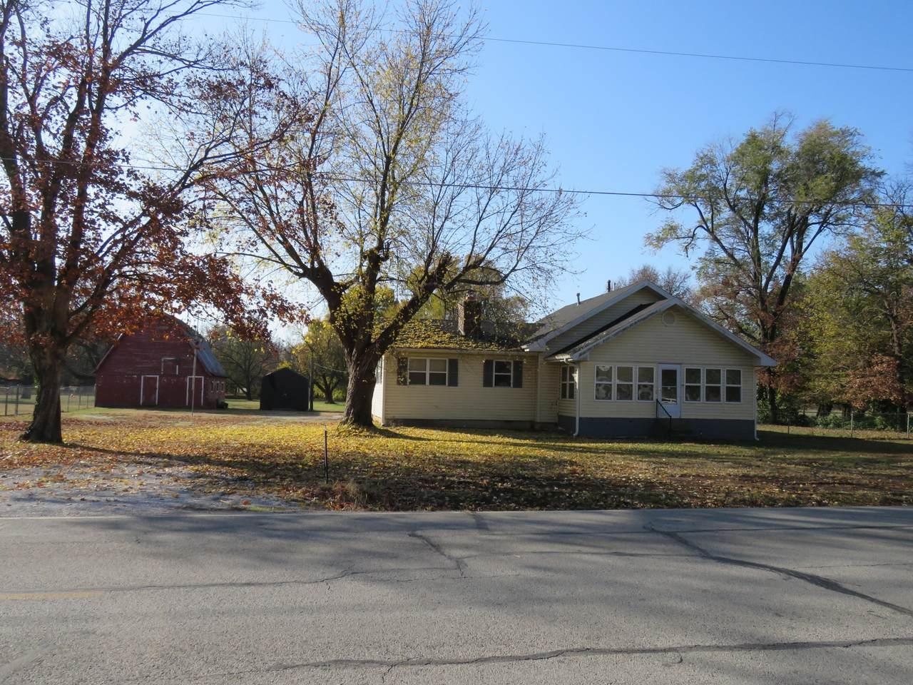 16698 Fairview Avenue - Photo 1