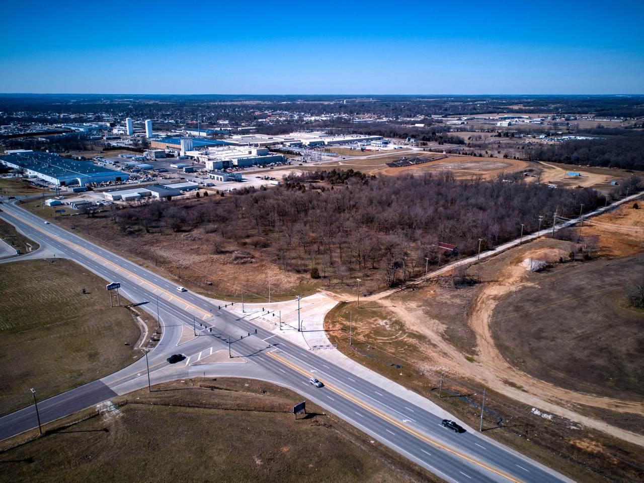 910 U S Highway 60 - Photo 1