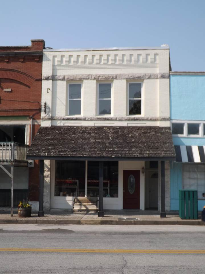 122 A,B&C Main Street - Photo 1