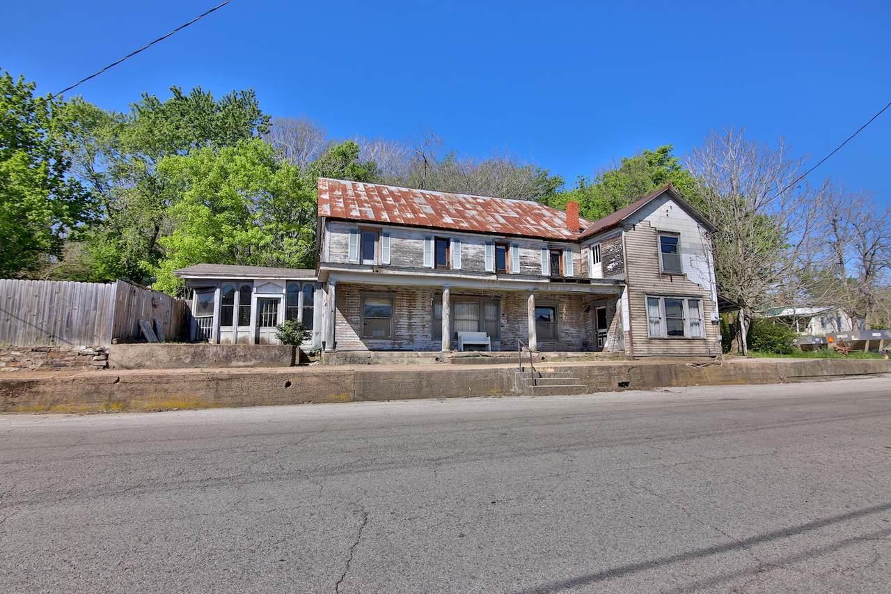 319 Front Street - Photo 1