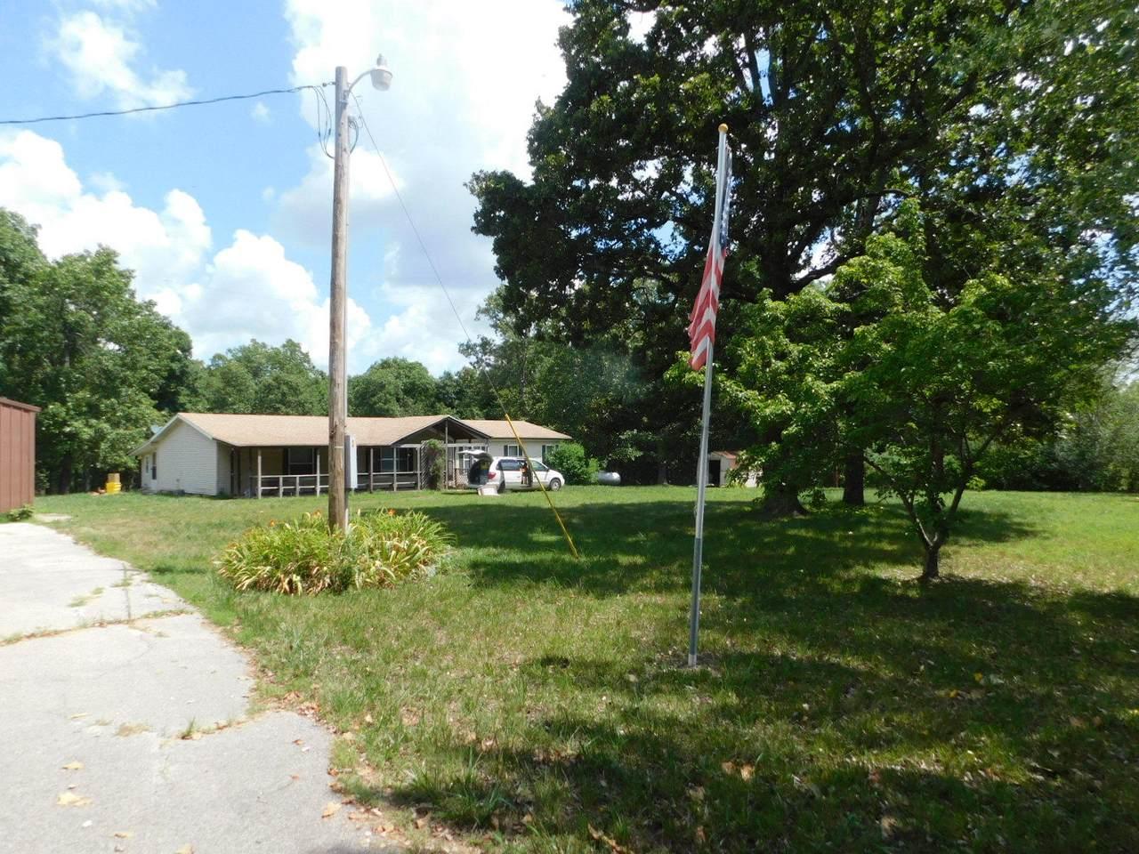 7821 County Road 3740 - Photo 1