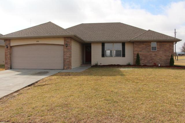 1195 N Blackstone Avenue, Republic, MO 65738 (MLS #60100381) :: Greater Springfield, REALTORS