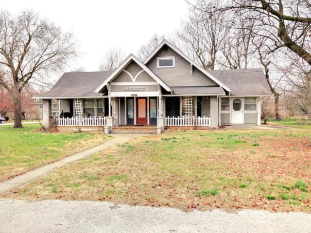 107 N Walnut Avenue, Republic, MO 65738 (MLS #60103024) :: Greater Springfield, REALTORS