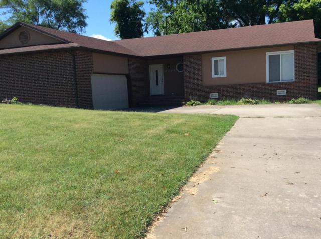 2304 E Parkwood Street, Springfield, MO 65803 (MLS #60111981) :: Greater Springfield, REALTORS