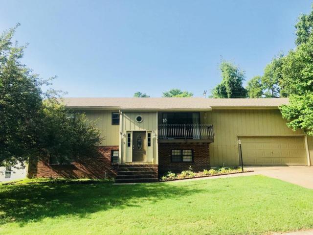 909 Canyon Drive, Neosho, MO 64850 (MLS #60112979) :: Good Life Realty of Missouri