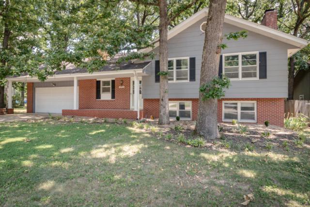 2038 S Hillcrest Avenue, Springfield, MO 65807 (MLS #60113297) :: Good Life Realty of Missouri