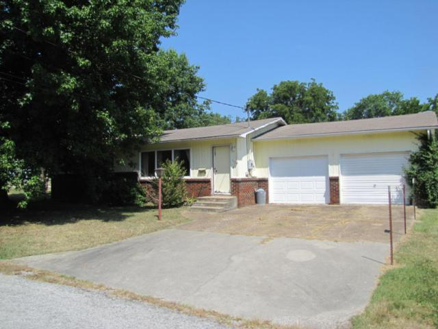 115 W Ivory Street, Bolivar, MO 65613 (MLS #60114088) :: Team Real Estate - Springfield