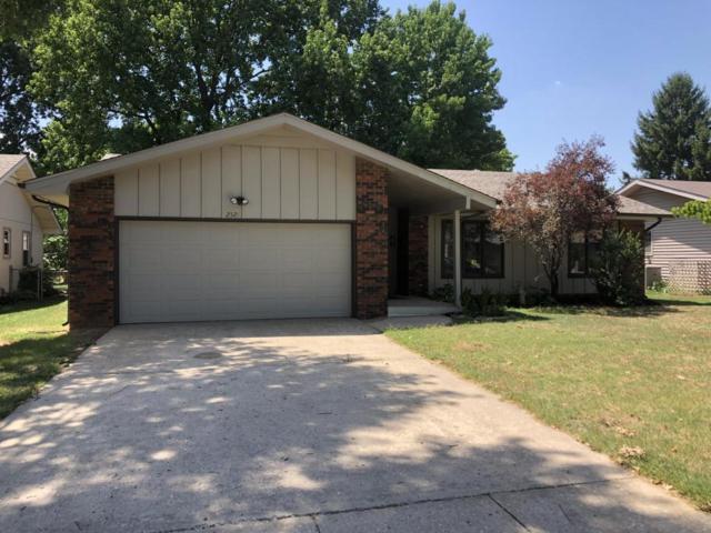 2521 S Delaware Avenue, Springfield, MO 65804 (MLS #60114486) :: Good Life Realty of Missouri