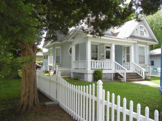 1403 N Sherman Avenue, Springfield, MO 65802 (MLS #60116986) :: Team Real Estate - Springfield