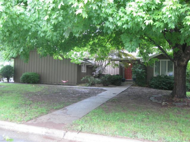 1344 S Blueridge Place, Springfield, MO 65809 (MLS #60118723) :: Team Real Estate - Springfield