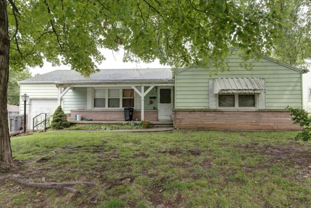 1702 S Sagamont Avenue, Springfield, MO 65807 (MLS #60118834) :: Good Life Realty of Missouri