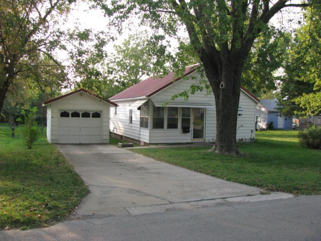 923 S Oak Avenue, Aurora, MO 65605 (MLS #60119548) :: Team Real Estate - Springfield