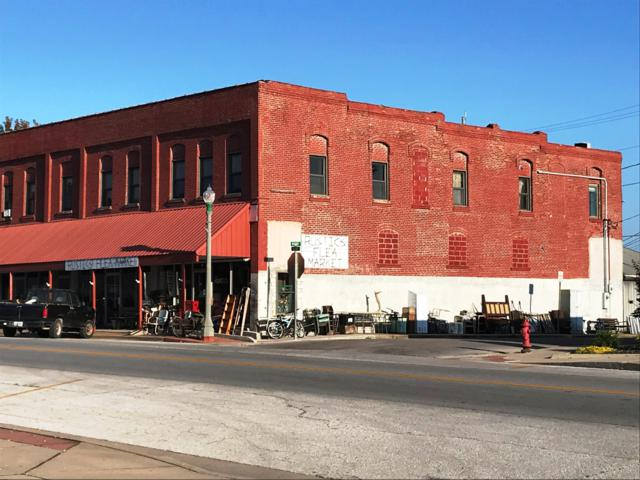 17 E Olive Street, Aurora, MO 65605 (MLS #60119707) :: Team Real Estate - Springfield
