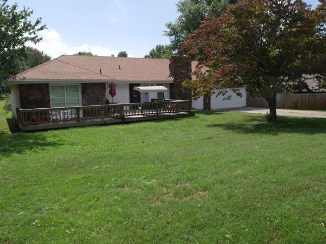 408 E Walnut, Aurora, MO 65605 (MLS #60120858) :: Good Life Realty of Missouri