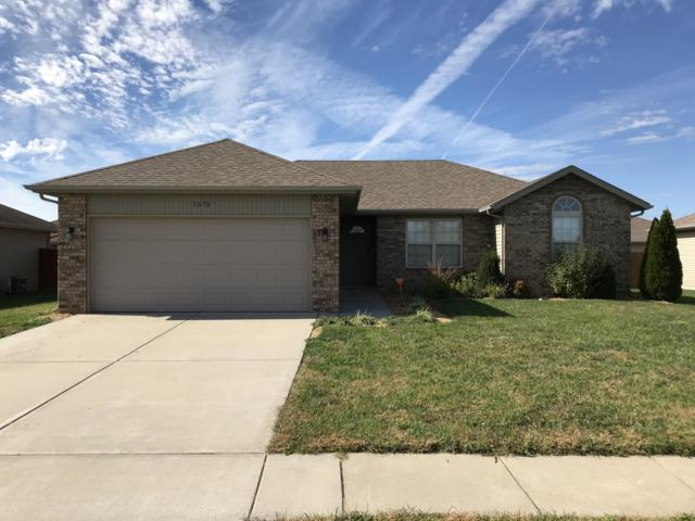 1075 S Hazelnut Avenue, Springfield, MO 65802 (MLS #60121980) :: Team Real Estate - Springfield