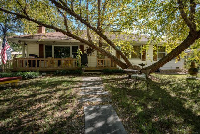1318 S Virginia Avenue, Springfield, MO 65807 (MLS #60122028) :: Good Life Realty of Missouri