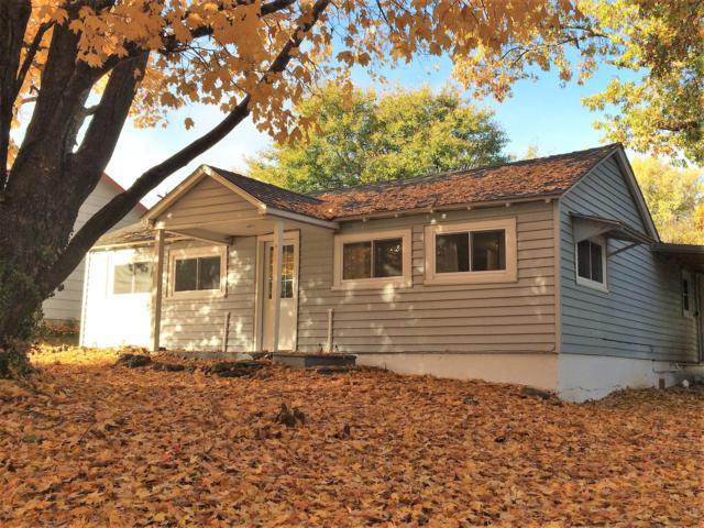 1823 Main Street, Cassville, MO 65625 (MLS #60122811) :: Good Life Realty of Missouri