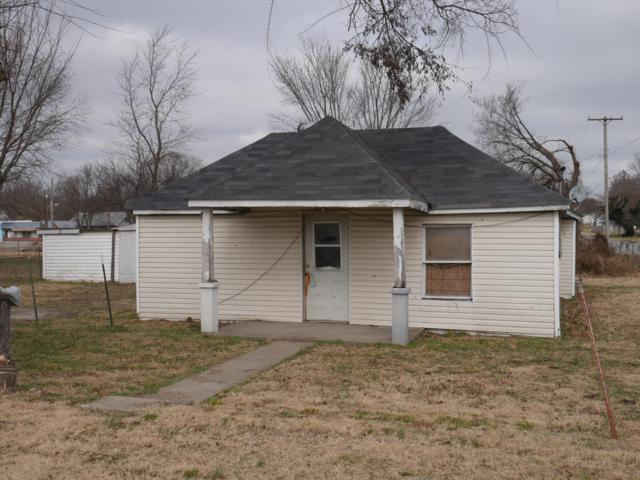 21 E Mill Street, Aurora, MO 65605 (MLS #60124267) :: Team Real Estate - Springfield