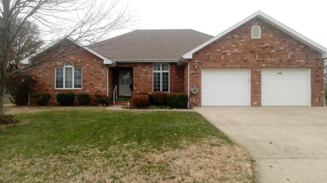 1595 S Meadow Lane, Bolivar, MO 65613 (MLS #60124417) :: Good Life Realty of Missouri