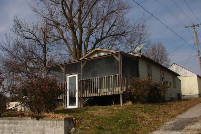 806 E Cale, Monett, MO 65708 (MLS #60124429) :: Team Real Estate - Springfield