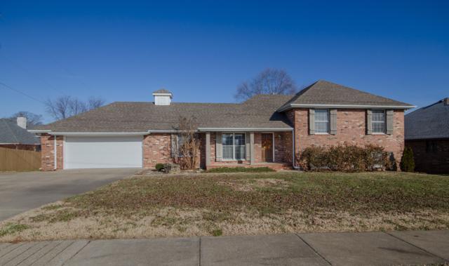 3859 E Cherokee Street, Springfield, MO 65809 (MLS #60125324) :: Sue Carter Real Estate Group