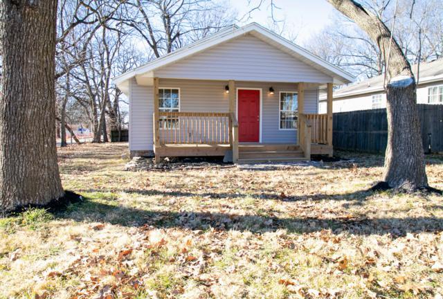 1401 N Brown Avenue, Springfield, MO 65802 (MLS #60126079) :: Weichert, REALTORS - Good Life