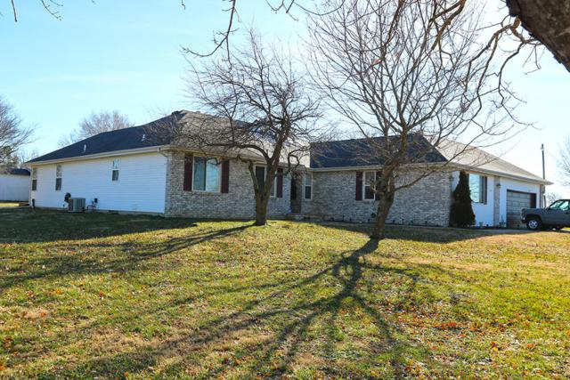 4768 S Westwood Drive, Republic, MO 65738 (MLS #60127371) :: Sue Carter Real Estate Group