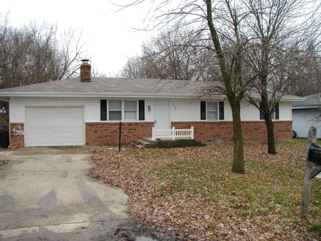 1119 S Martin, Bolivar, MO 65613 (MLS #60127479) :: Team Real Estate - Springfield