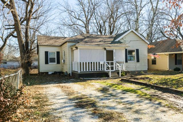 2038 N Grace Avenue, Springfield, MO 65803 (MLS #60128754) :: Sue Carter Real Estate Group