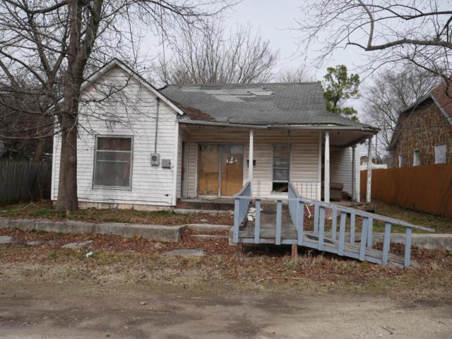 11 W Cofield Street, Aurora, MO 65605 (MLS #60129345) :: Weichert, REALTORS - Good Life