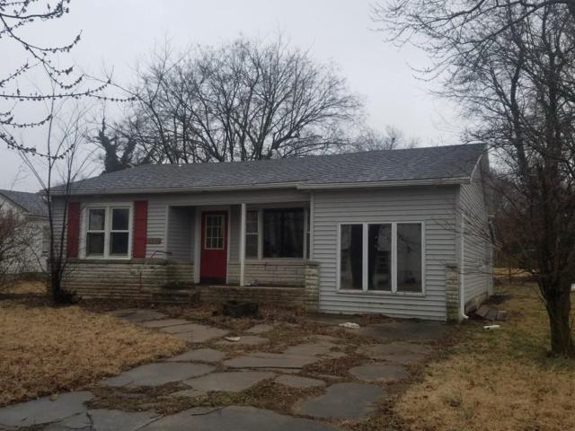410 W Locust, Aurora, MO 65605 (MLS #60130666) :: Team Real Estate - Springfield
