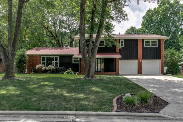 2883 S Rochelle Avenue, Springfield, MO 65804 (MLS #60130780) :: Team Real Estate - Springfield