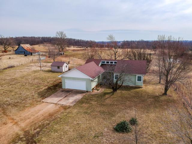 7506 Lawrence 1095, Mt Vernon, MO 65712 (MLS #60130996) :: Team Real Estate - Springfield