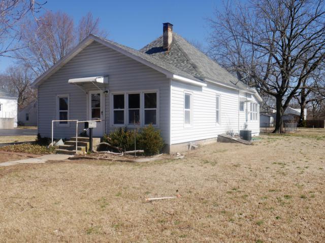 714 Park, Aurora, MO 65605 (MLS #60131088) :: Team Real Estate - Springfield
