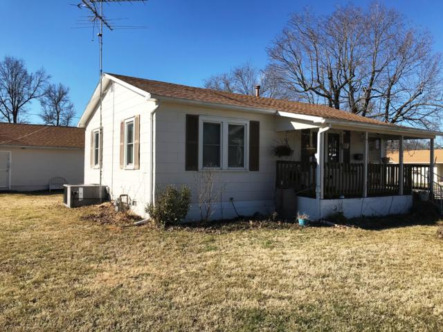 306 W Springfield Street, Aurora, MO 65605 (MLS #60131624) :: Team Real Estate - Springfield