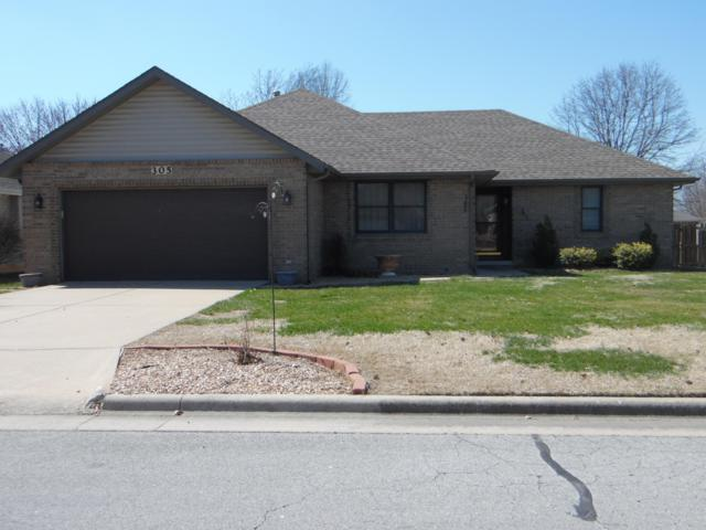 305 N Maplecrest Drive, Nixa, MO 65714 (MLS #60132083) :: Massengale Group