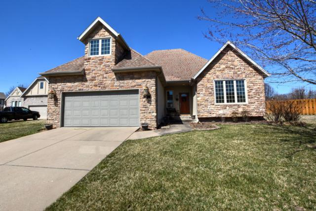 941 S Carriage Avenue, Springfield, MO 65809 (MLS #60132227) :: Massengale Group