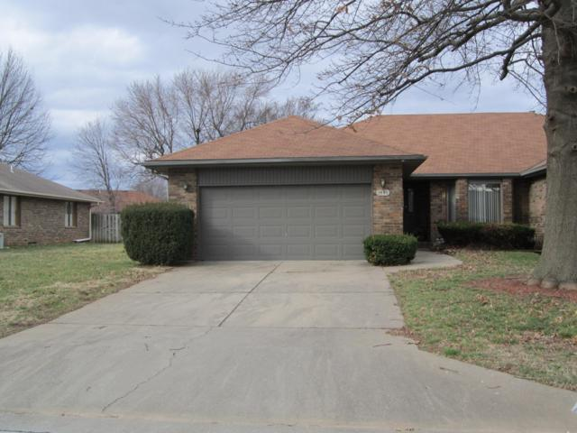 1441 E Woodgate Street, Springfield, MO 65804 (MLS #60132251) :: Massengale Group