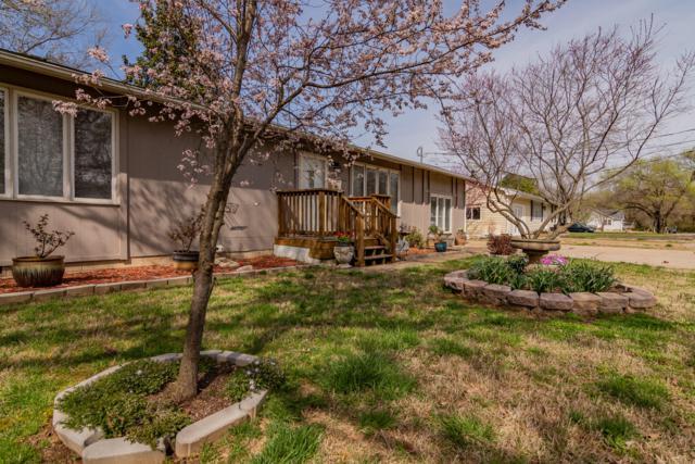 405 Lake Drive, Branson, MO 65616 (MLS #60133276) :: Massengale Group