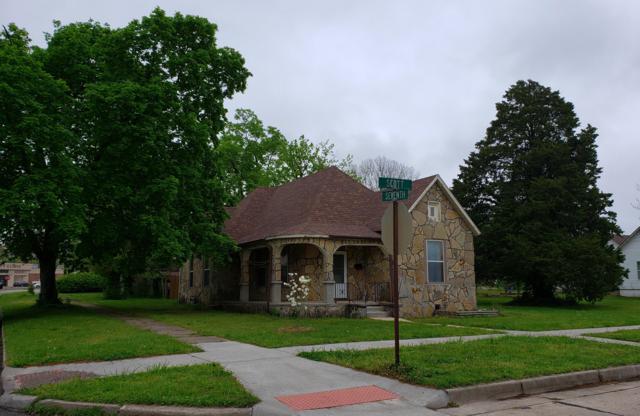 700 E Scott Street, Monett, MO 65708 (MLS #60135065) :: Weichert, REALTORS - Good Life