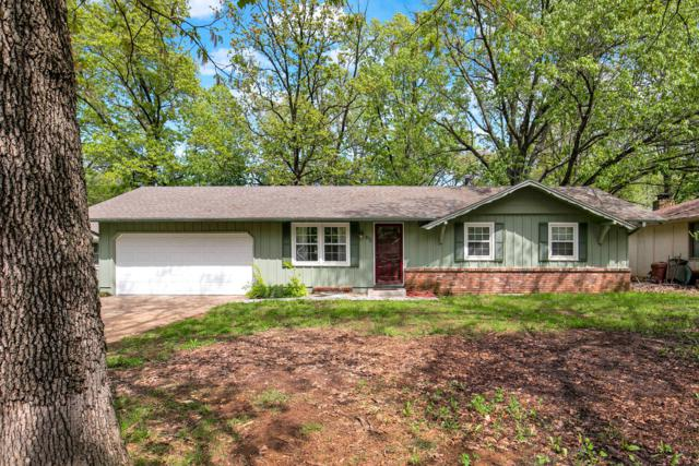 872 S Paula Avenue, Springfield, MO 65802 (MLS #60135965) :: Sue Carter Real Estate Group